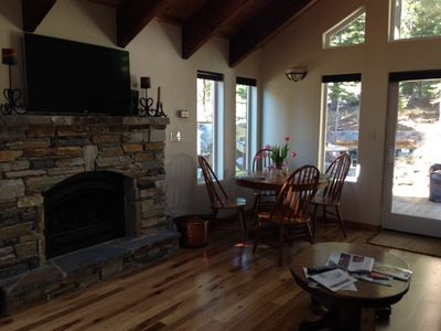 Living/dinning room - gas fireplace, 2 extra leafs for dinning table to seat 8