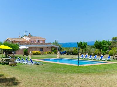 Photo for 10 bedroom Villa, sleeps 22 with Pool, FREE WiFi and Walk to Shops
