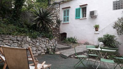 Photo for Charming Provencal house in the heart of the village