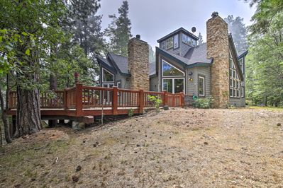 Reconnect with Mother Nature from the deck of this Lake Arrowhead home.
