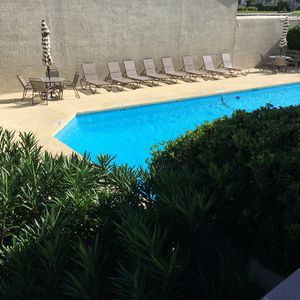 POOL RIGHT OFF THE DECK
