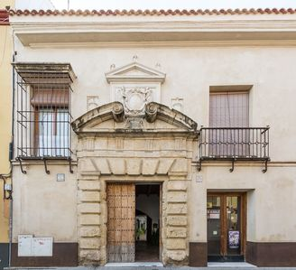 Photo for Lovely apartment in historic building in Triana