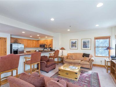 Photo for Roomy 2-Bedroom Mountainside Condo With Pool, Hot Tub Access