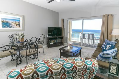 Living room area with beautiful view of the Gulf of Mexico. - Living room area with beautiful view of the Gulf of Mexico.
