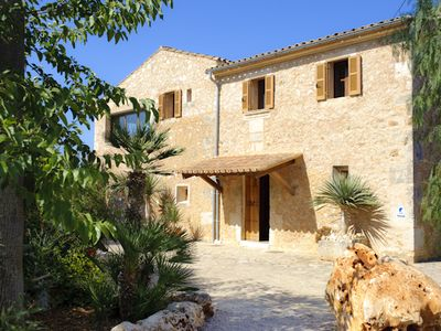 Photo for Beautiful large house in quiet location in the countryside, private pool, garden