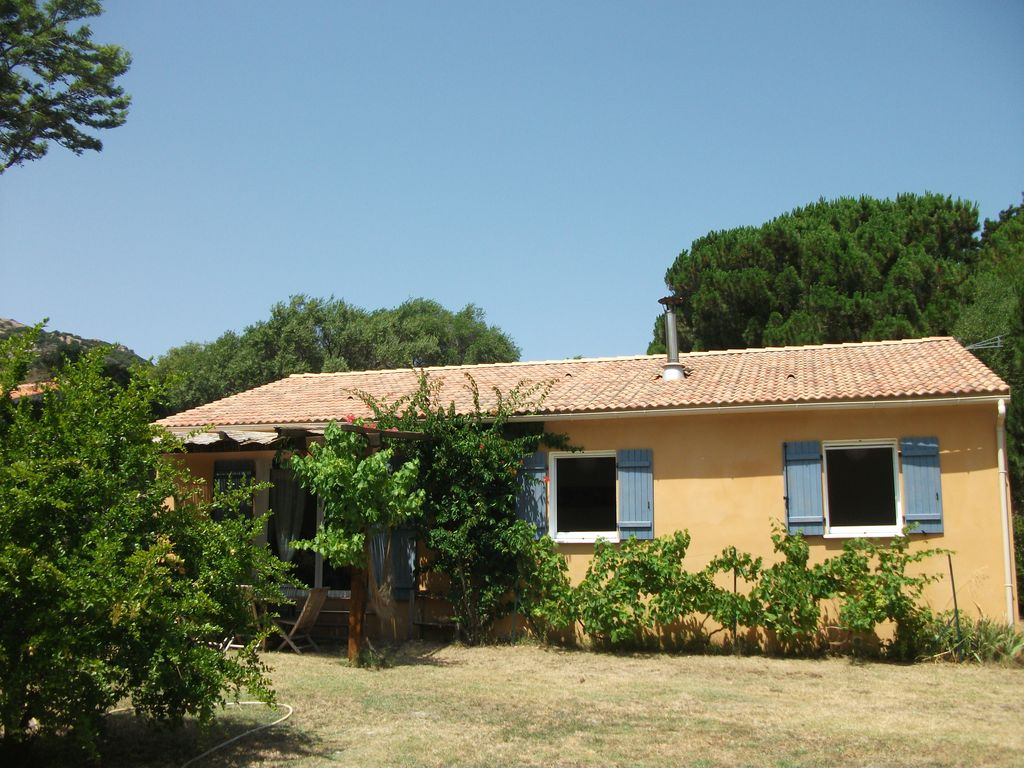 calvi villa 100m2 quiet area located 1km walk to