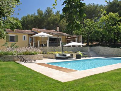 Photo for Provencal villa in Isle sur la Sorgue