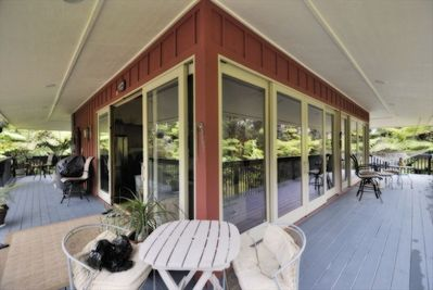 1000 ft wrap-around Lanai with 360 Views of Volcano's Tropical Lush Rain Forest!