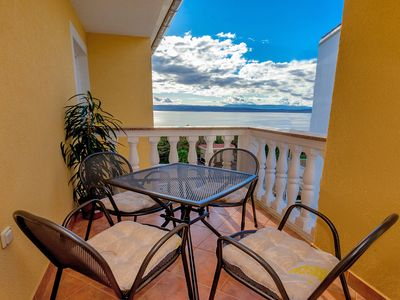 Photo for Holiday in an apartment with ocean views Lvo)