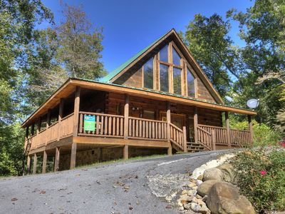 Photo for A Beary Tale is just minutes from Dollywood in Oldham Creek Springs Resort