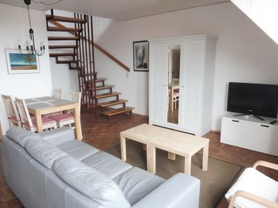 Photo for Cozy, peaceful vacation apartment centrally located in Bad Wilhelmshöhe
