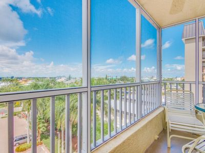 Photo for Bay View Efficiency on Fort Myers Beach/Estero Island- Unit 505