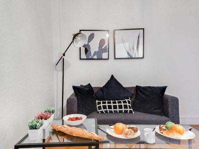 Photo for Warm and calm apartment near Nation