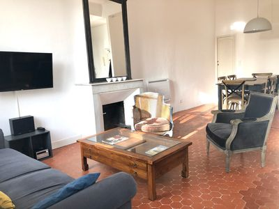 Photo for charming 2 rooms of 70 m2 on pretty place, in the middle of the historic center of Aix