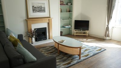 "Photo for Traditional 2 bedr ""The Shore"" Apartment in Edinburgh, direct bus to Princes St"