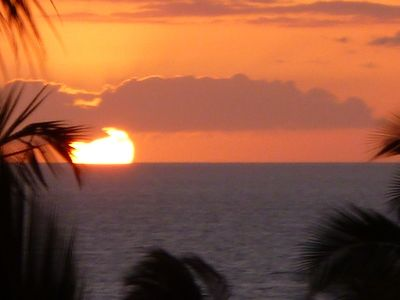 BEAUTIFUL SUNSETS FROM OUR LANAI WITH PANORAMIC OCEAN VIEW