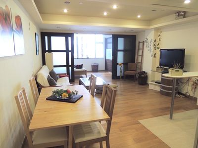 Photo for Cozy 2 rooms apartment next to Sheung Wan MTR