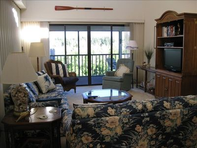 Living room with walkout to lanai