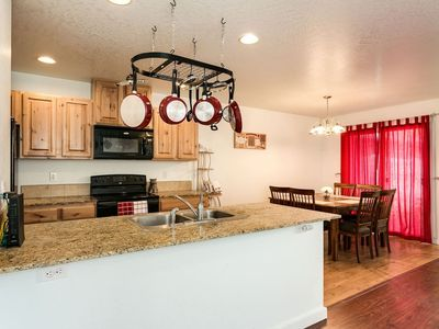 Extremely Clean, Peaceful & Comfy Single Level Town Home (1090)