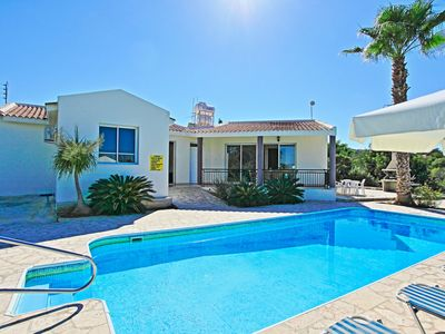 Photo for Villa Anthoulis: Private villa with pool above Latchi, sea views, a few minutes from the beach