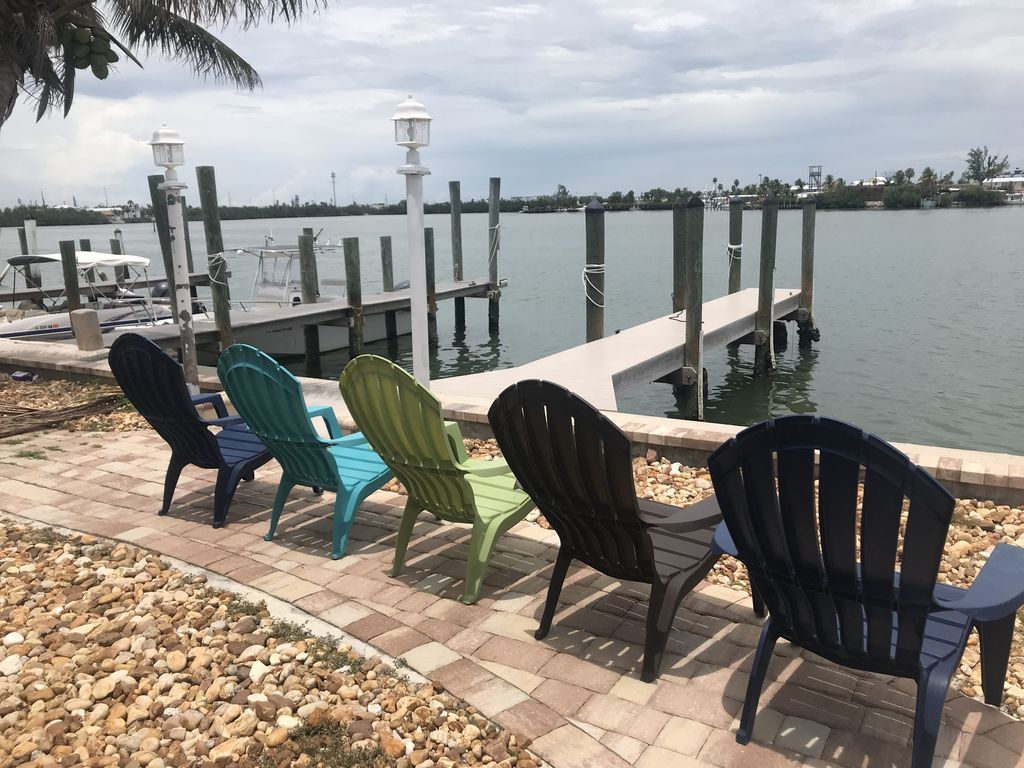 WATERFRONT 2BR/2BA in Key Colony Beach! 30ft of DOCK & Cabana Beach Club &  Pool - Key Colony Beach