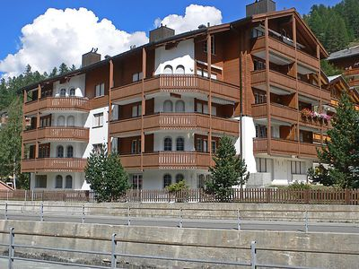 Photo for Apartment Les Violettes in Zermatt - 8 persons, 4 bedrooms
