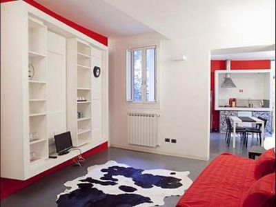 Photo for Pantheon White apartment in Centro Storico with WiFi & integrated air conditioning (hot / cold).