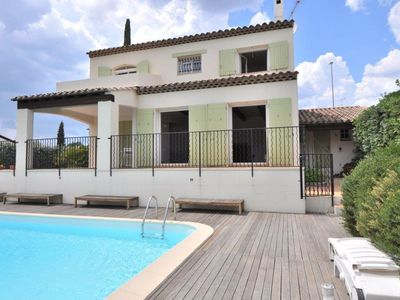 Photo for Villa with pool and views over Park in quiet area
