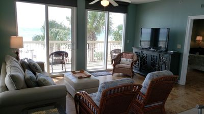 Photo for 2nd Fl Corner Unit 3br/3ba  Master Ocean Front. Wow!