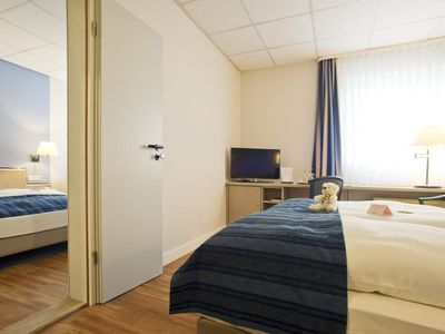 "Photo for Single room ""4 = 3"" - Hotel Novalis Dresden"