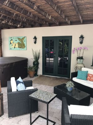 Photo for Paradise found Studio w/Qn size bed and couch is twin sleeper