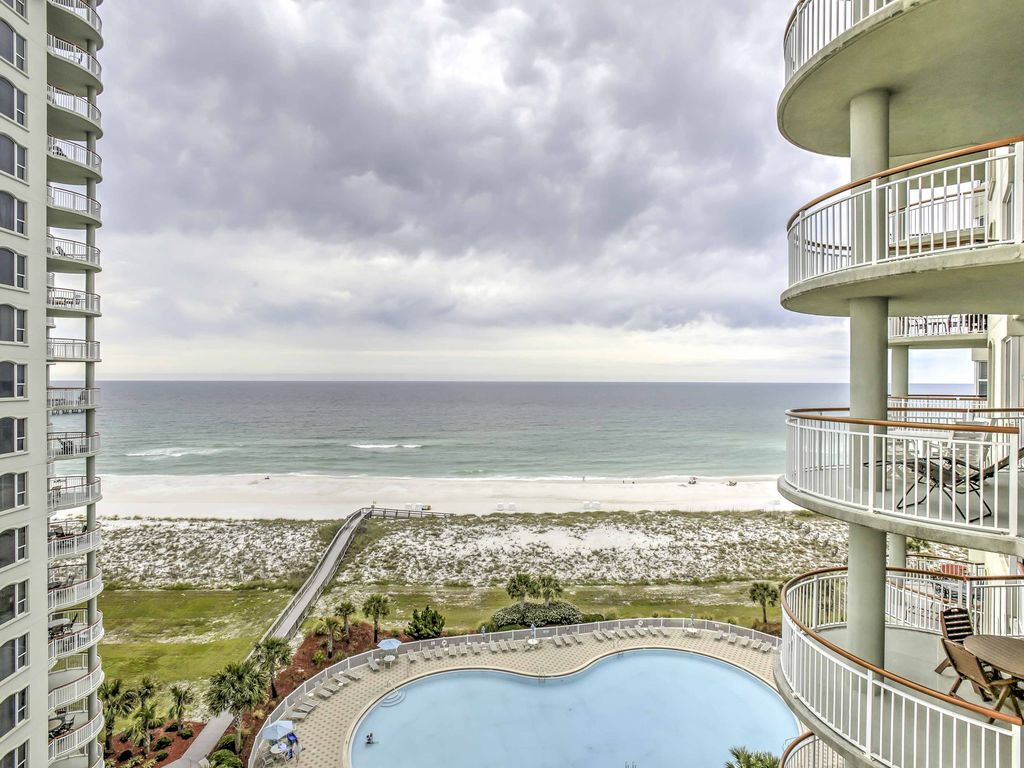 New 3BR Navarre Beach Condo wBeachfront Views Navarre