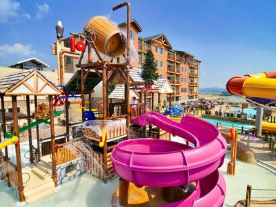 Photo for Great Smokies Lodge - Free Waterpark Passes - Near Golf, Dollywood, NASCAR Park