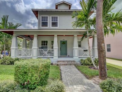 Photo for Picture Relaxing in This Idyllic Home in West Palm Beach, West Palm Beach Villa 1848