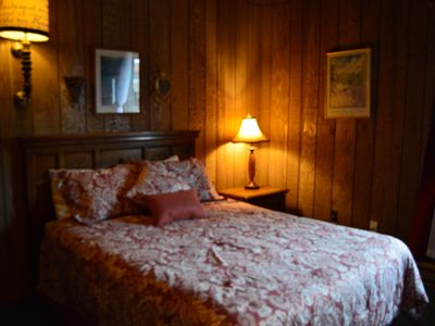 Photo for Viking Lodge Queen Room - Downtown Winter Park