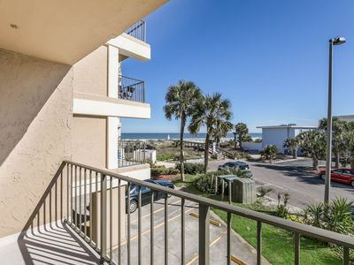 Photo for Life the Beach Life!! Oceanviews and ocean breezes (plus a king-sized bed!