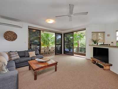 Photo for Across from Main Beach and a short stroll to Byron Bay town centre