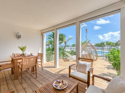 Six View - Beach Front Apartment