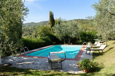 Tuscany Pool, vineyard and Gardens