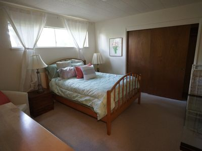 Photo for Quiet 1 bedroom walking distance from UC Berkeley!