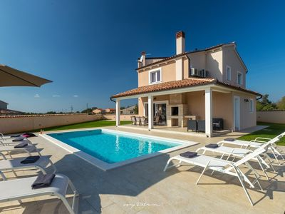 Photo for Modern family villa with private pool near Pula