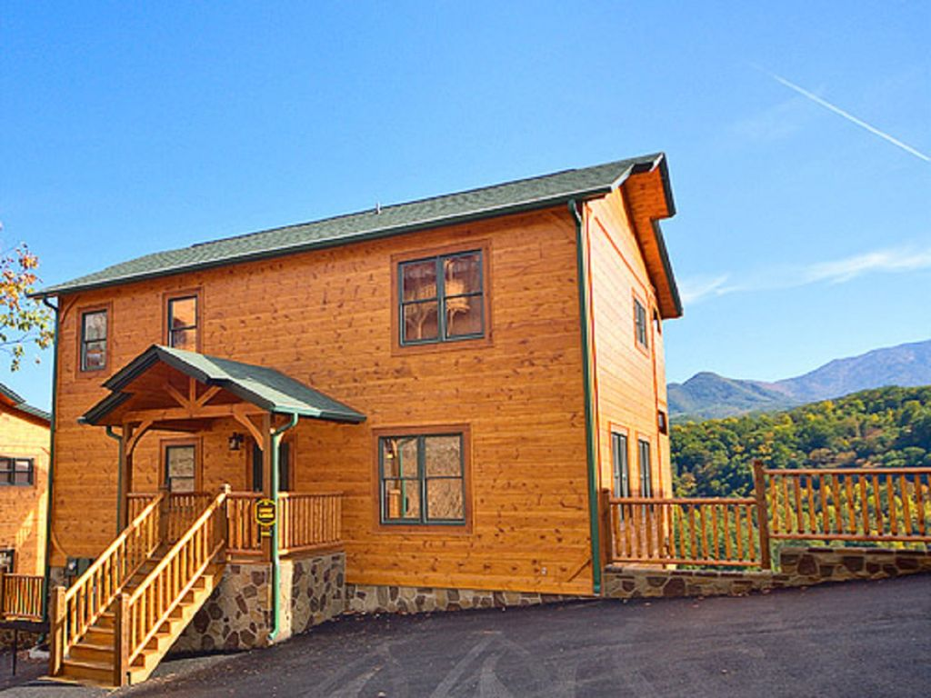 Large Luxury 5 Bedroom Cabin In Gat Falls Parkview W Theater Gatlinburg Tennessee