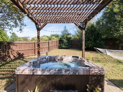 Photo for Hummingbird Manor - Hot Tub & Private Backyard!