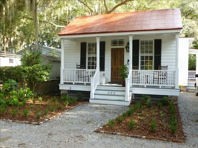 Photo for Heart of the Old Point!Historic 1880's Cottage,2 Bd/2 BA/+Study/Screen Porch