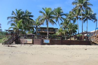 Only 15 houses on Sandy Beach, there are 8 on both sides that are beachfront.