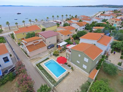 Photo for Seaview Villa with heated pool only 40 m from the sea