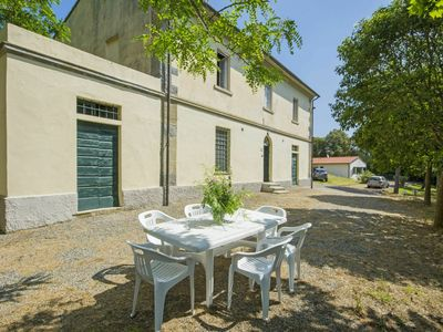 Photo for Cosy apartment in villa for 7 people with pool, TV, pets allowed and parking
