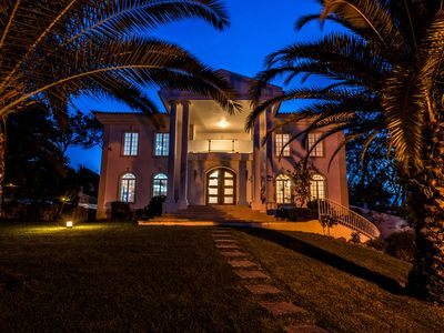 Photo for Villa Verde is a delightful 4 bedroom villa located in the popular Valverde resort just a few minutes drive to Quinta do lago beach. Valverde has it's own restaurants, bars and tennis courts.