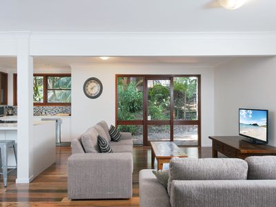 Photo for Barefoot Beach House, 24 Essendene Road