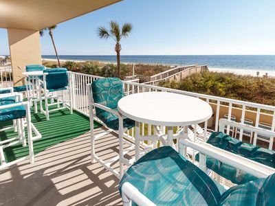 Comfortable patio furniture to relax and enjoy the view - Comfortable patio furniture to relax and enjoy the view